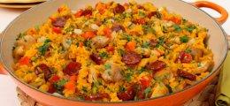 Paella con chorizo